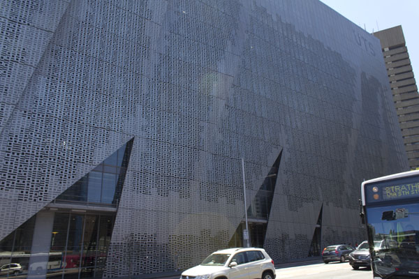 Binary Screens on UTS Broadway Building